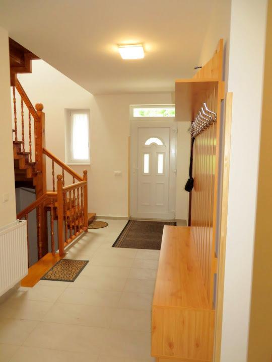 Bejárat (1)